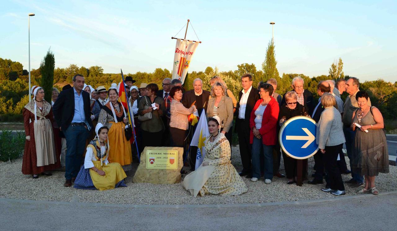 "Centenaire Mistral : Inauguration ""Routoundo"" Frédéric Mistral Sannes [Sept 2014]"